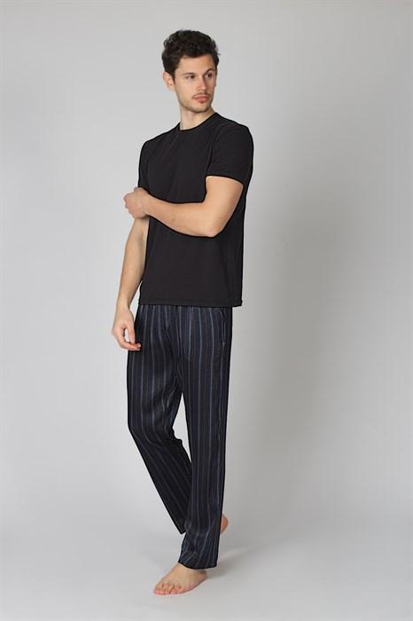 Мужская пижама с брюками в полоску - фото 8646