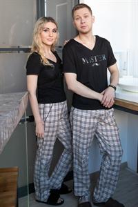 Одинаковые семейные пижамы в клетку