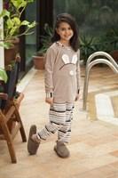Велюровый костюм для девочки - фото 6056